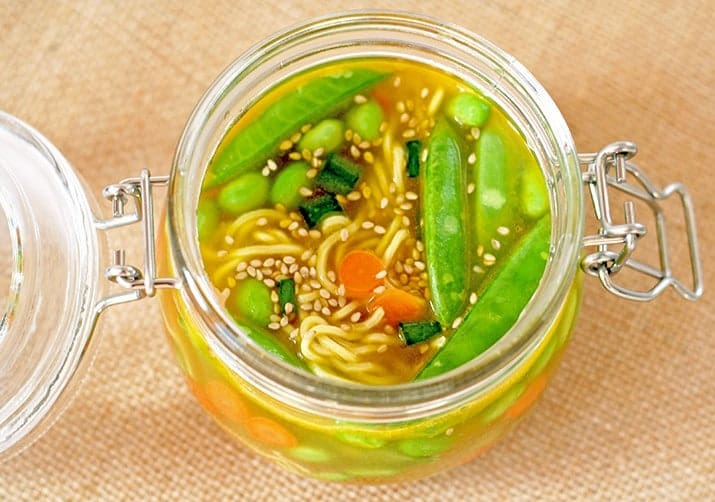 Soup in a Jar for an easy lunch. From www.vnutritionandwellness.com