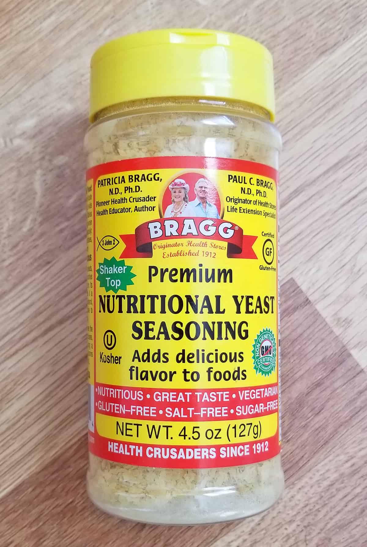 Braggs nutritional yeast bottle