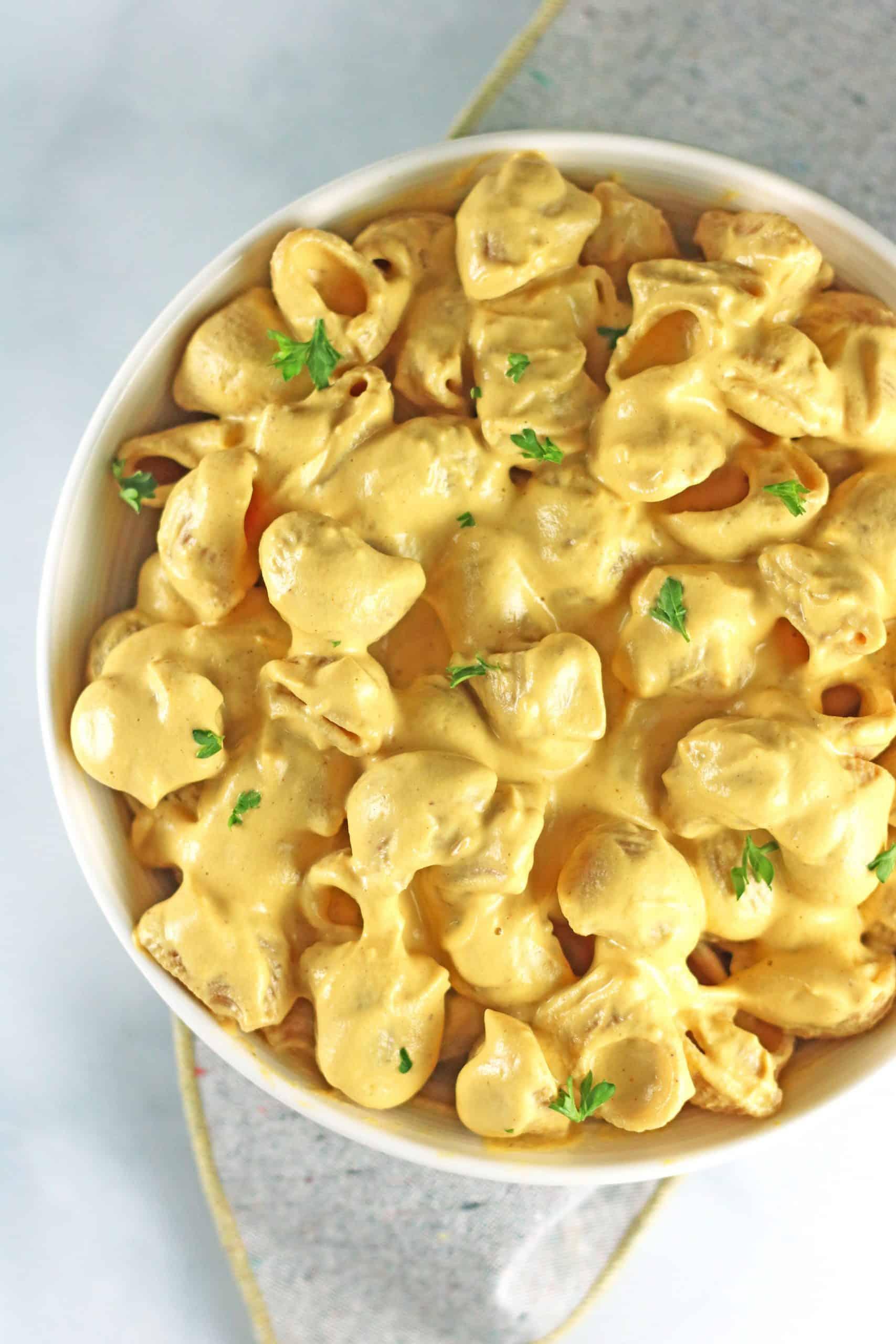 overhead closeup of vegan butternut squash mac and cheese