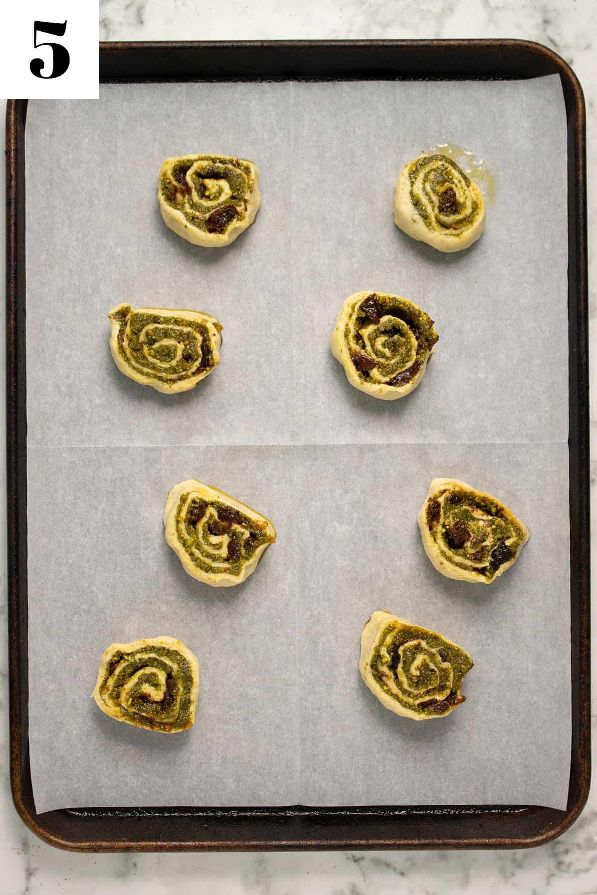 8 pinwheels on baking sheet